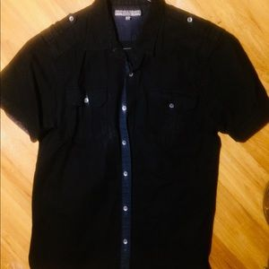 Short-Sleeved Casual Button Down Shirt